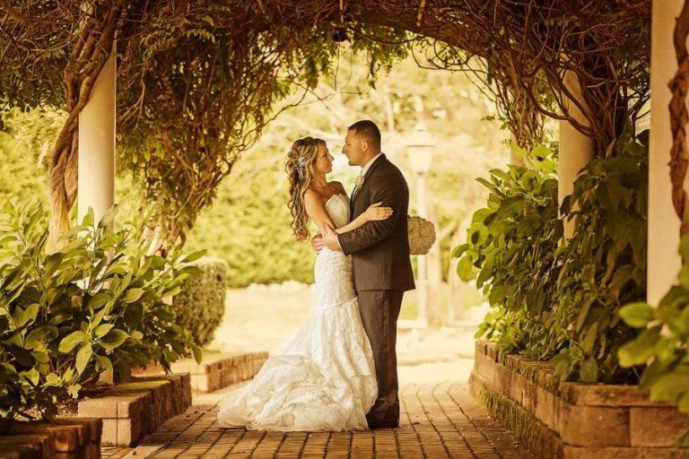 The proper way to Identify Destination Professional Wedding Photographers